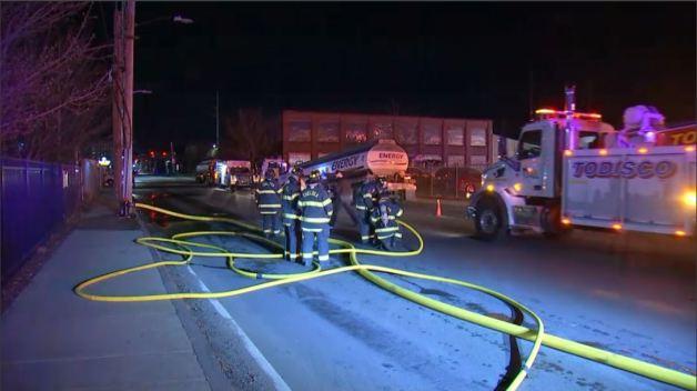 Reportan derrame de un camión de gas en Chelsea