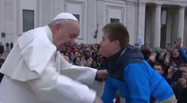[TLMD - NATL] Papa Francisco cumple sueño a niño con síndrome de Down