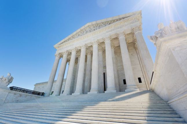 DACA: 140 compañías piden al Supremo mantener programa