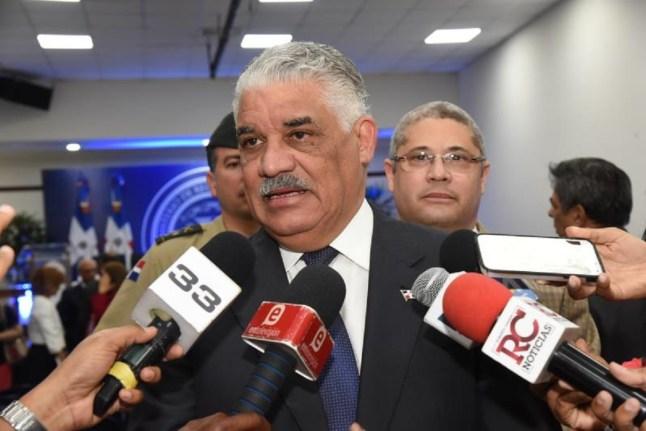 Miguel Vargas acude a foro global de economía en Panamá