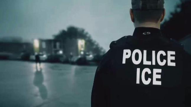 ¿Qué hacer si agentes de Inmigración tocan tu puerta?