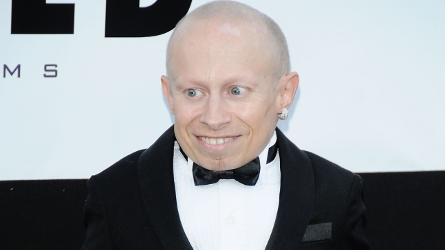 Muere Verne Troyer; luchaba con problemas de alcohol