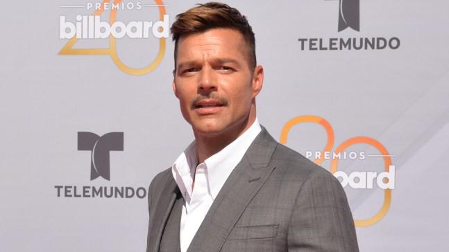 Ricky Martin se une a protesta contra gobernador de PR