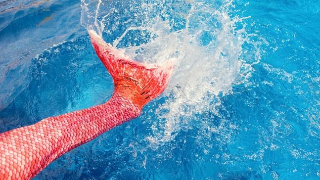 Aprende a nadar como sirena en hoteles de Disney