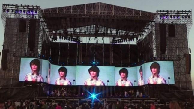 Juan Gabriel revive en holograma durante homenaje