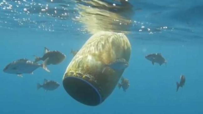 Ropa a partir de basura marina
