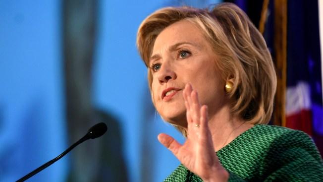 Hillary Clinton tuitea en español sobre huracán Patricia