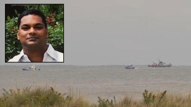 Identifican al piloto de la nave que se accidentó en NY