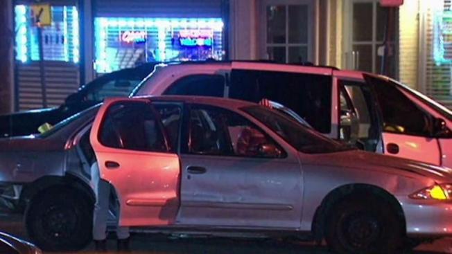 Buscan a conductor que chocó y huyó de la escena