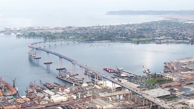 Reabren puente de Coronado después de un cierre de varias horas