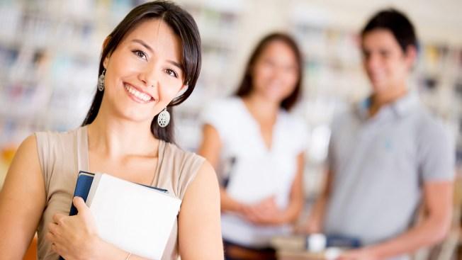 e30575479 CNBC  consejos para pagar una carrera universitaria - Telemundo 48 ...