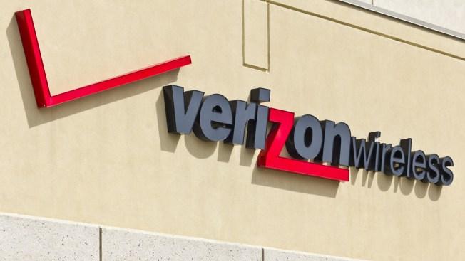 Empleados de Verizon inician huelga nacional