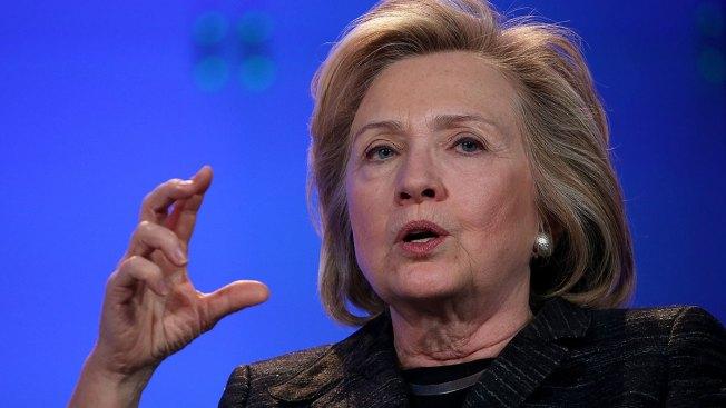 Clinton habría puesto información en riesgo
