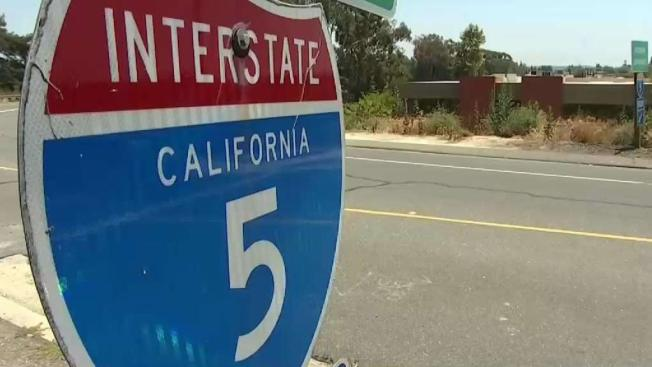 Cerrarán el distribuidor vial I-5 y SR 78 por 4 horas