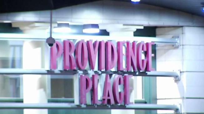 Policía arresta 10 jóvenes tras peleas en centro comercial Providence Place