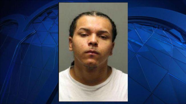 Arrestan joven de 18 años por balacera en Rhode Island