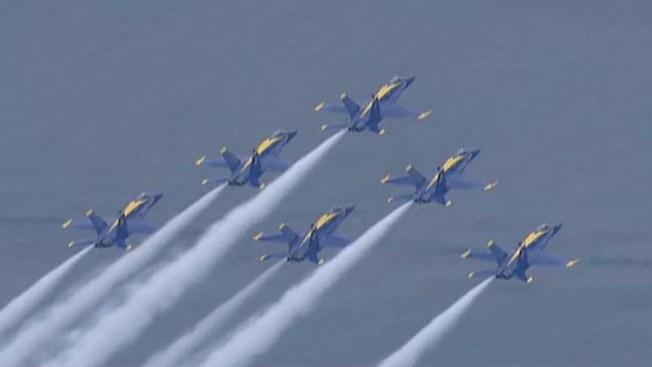 Angeles Azules surcan el cielo de Boston