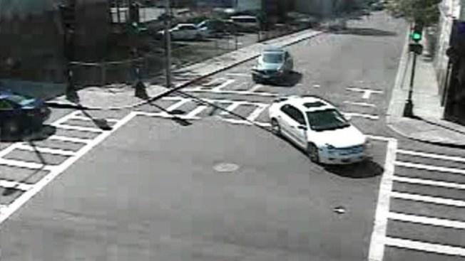 Buscan auto en conexión con tiroteo en Boston