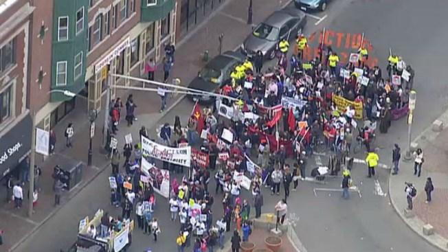 Marcha de los trabajadores en Chelsea y Everett