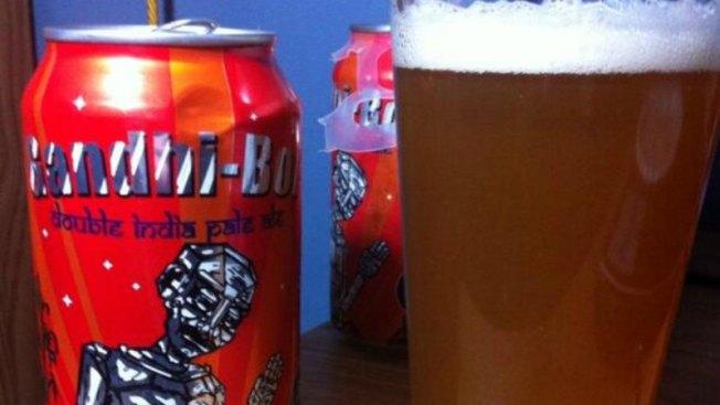 Tras polémica rebautizarán cerveza Gandhi-Bot