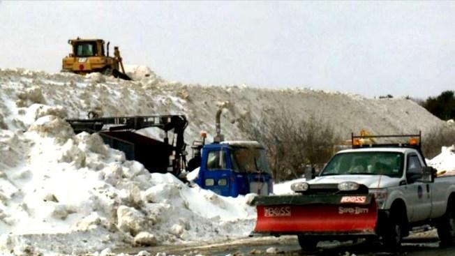 Vertedero de nieve, un peligro para aviones
