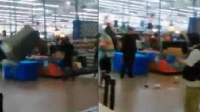 Caos en Wal-Mart tras pelea entre 30 personas