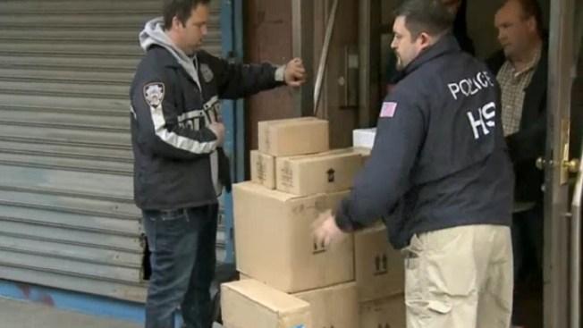 Decomisan contrabando de perfumes falsos en NYC