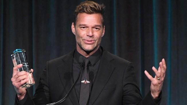 Ricky Martin recibe premio de manos de Lin-Manuel Miranda