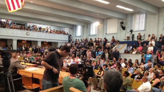 Debaten cambios en penas por delitos en Mass.