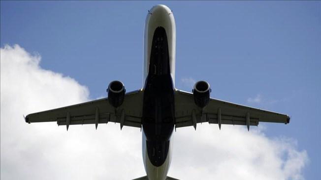 Acuerdo evita huelga en aeropuertos de NY