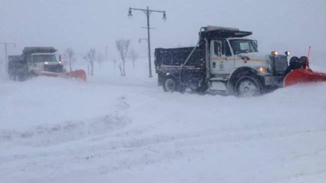 Noreste se recupera de nevada histórica