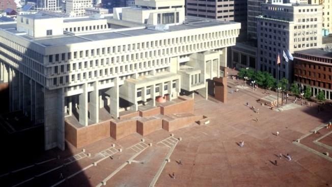 ¿Qué le falta a la Plaza de la Alcaldía de Boston?