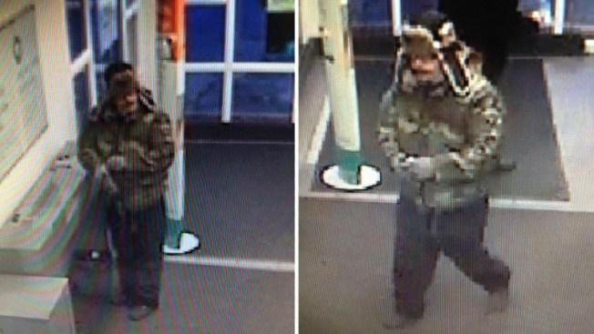 """""""Bandido camuflado"""" asalta un banco ¿sin arma?"""