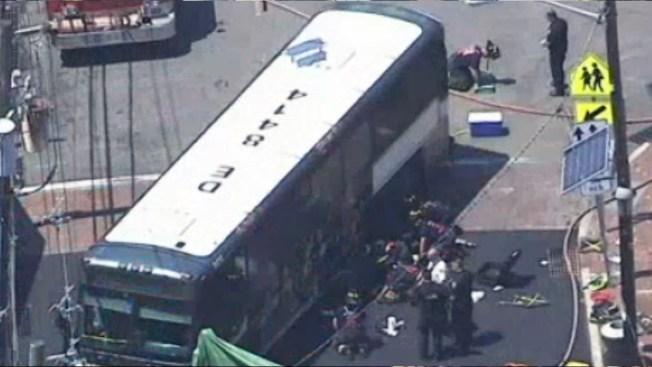 Mujer muere atropellada por un bus público en West Orange