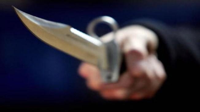 Tres personas resultan acuchilladas en Manhattan