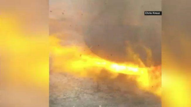 Video: Explotan alcantarillas, miles quedan sin luz