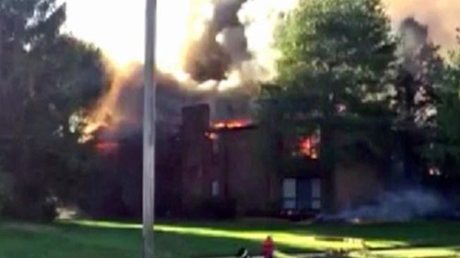 Voraz incendio arrasa con 8 apartamentos en NJ