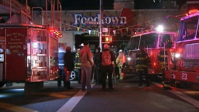 Incendio arrasa con un supermercado del Alto Manhattan