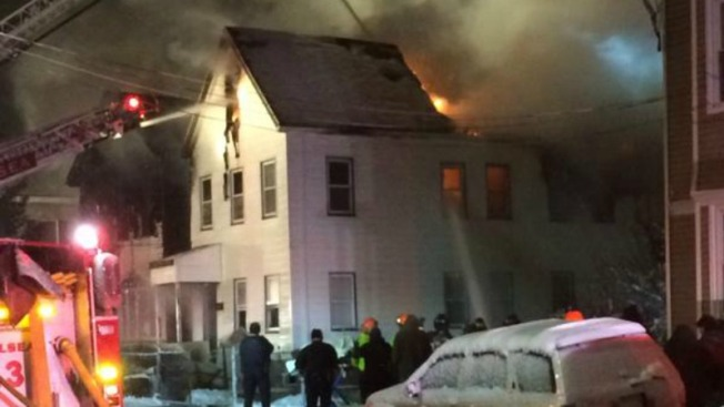 Incendio devora dos viviendas en Chelsea