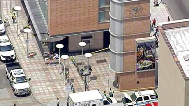 Rescatan a varios atrapados en un elevador en NJ