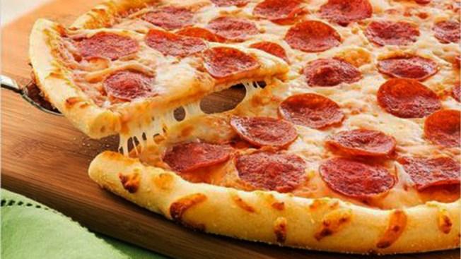 NY: Dueño de pizzerías no pagaba salarios justos