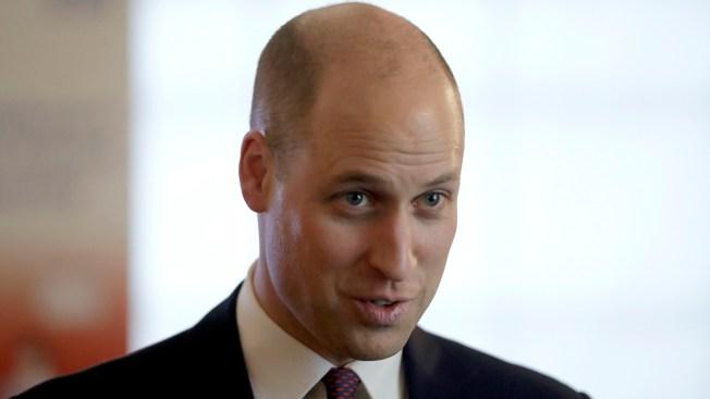 El príncipe William opta por raparse la cabeza