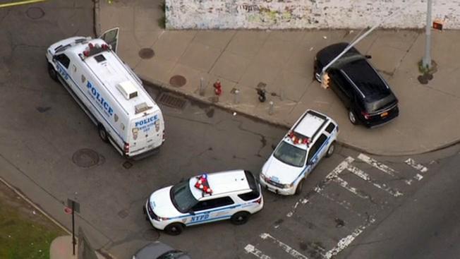 Balacera en Brooklyn deja un muerto y un herido
