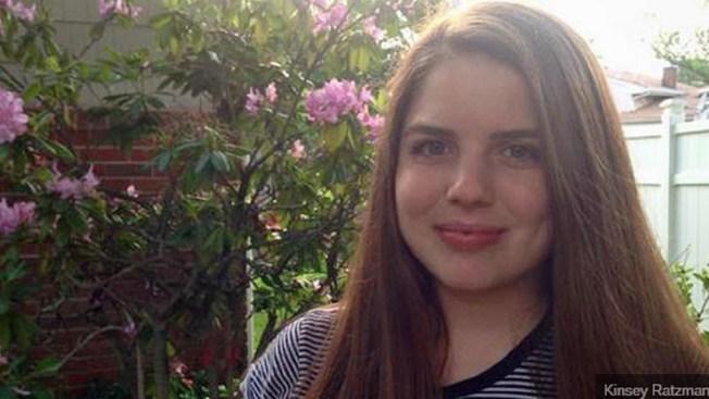 """Familia festeja la confesión de su hija  """"yo soy lesbiana"""" y se hace viral"""