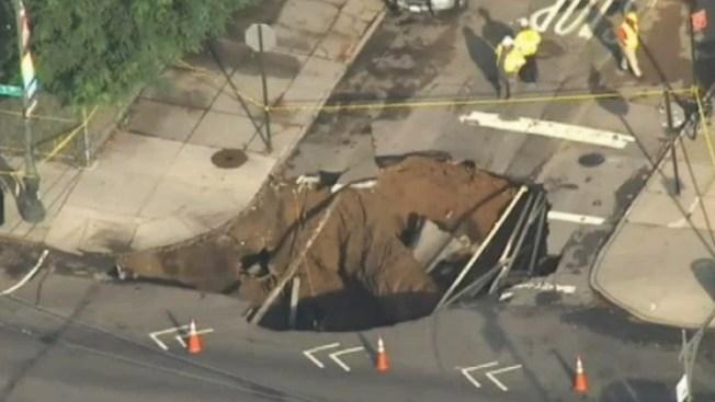 Brooklyn: Gigantesco socavón se traga el suelo