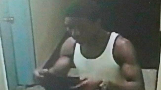 Arrestan a sospechoso de robar a policía de NY