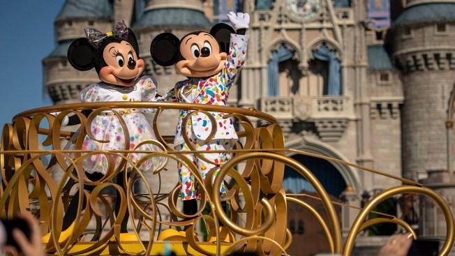 """Regresa oferta """"Trae a un amigo"""" a los parques de Disney"""