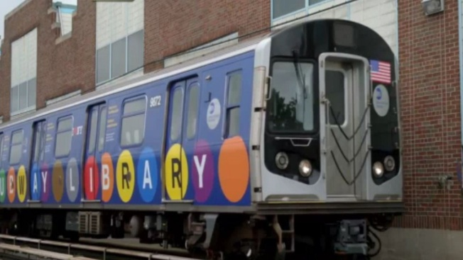 Metro de NY se convierte en biblioteca