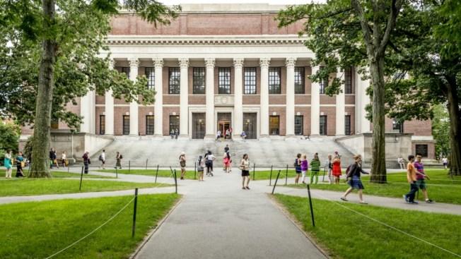 Donación récord de $400 millones para Harvard