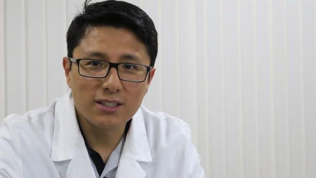 Médico hispano avanza en experimentos contra el cáncer